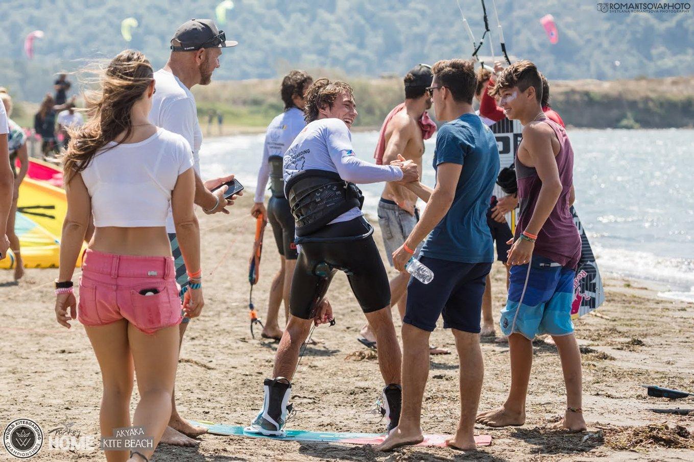 competition kitesurf-Chabloz avec amis