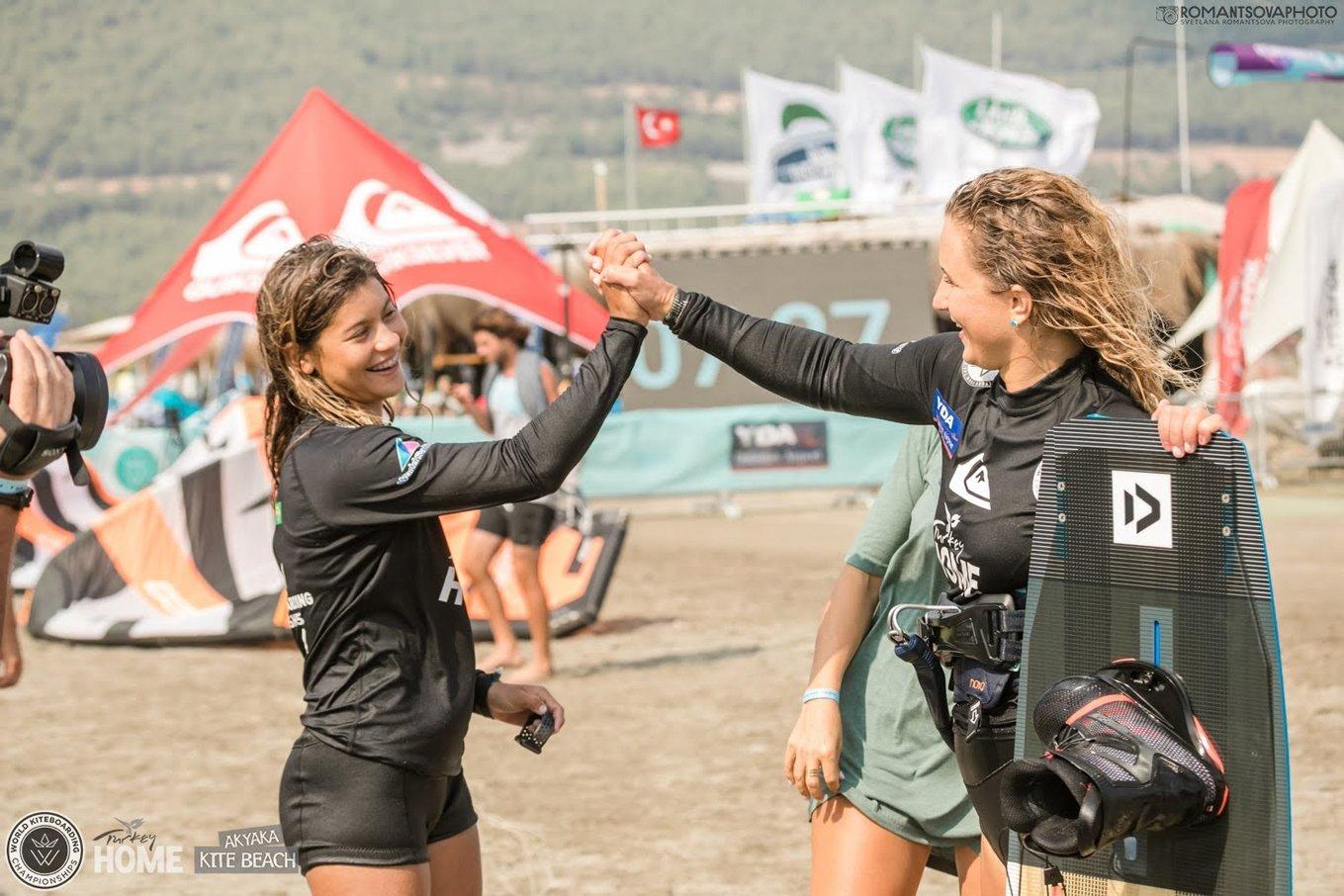 competition kitesurf-mikaili-novotna