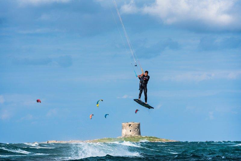 Simone-kitesurf-Sardaigne-saut-Torre di Stintino