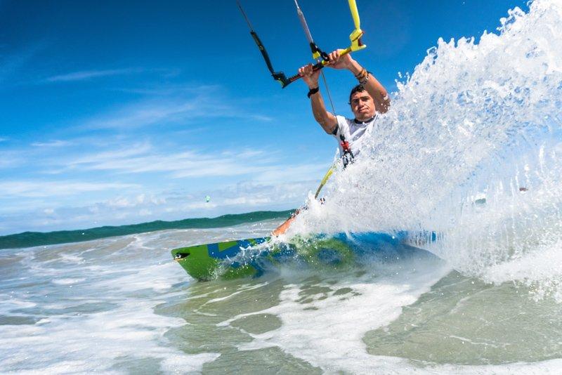 Simone-kitesurf-Cape-Vert-Salamansa-shredding